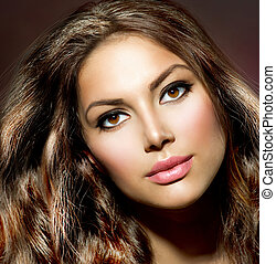 Schönheitsmodel. Gesundes und glänzendes Haar