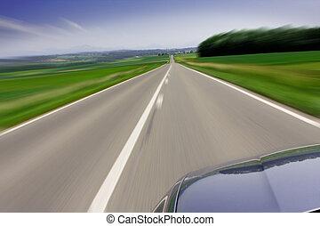 Schnelles Auto unterwegs