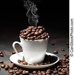 schwarz, becher, bohnen, bohnenkaffee, hintergrund