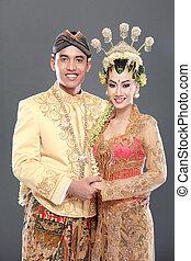 Traditionelles Java-Hochzeitspaar
