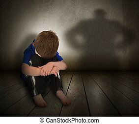Trauriger, missbrauchter Junge mit Wutschatten