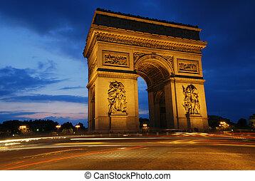 Triumphbogen in der Nacht