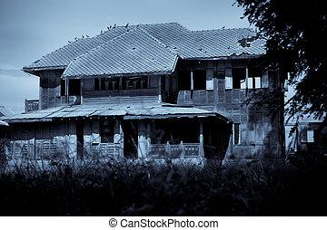 Verlassenes altes Haus