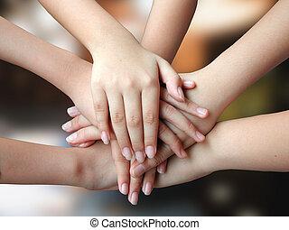 Viele Hände 4 Erfolge