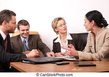 Vier Geschäftsleute