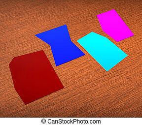 Vier leere Zettel zeigen Kopien für vier Buchstaben