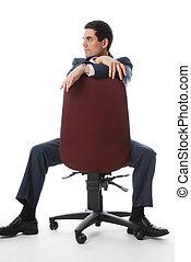 Voller Schuss auf einen Stuhl