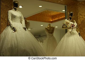 wedding, mannequins, dresses., angezogene