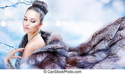 Winterfrau in Luxuspelz